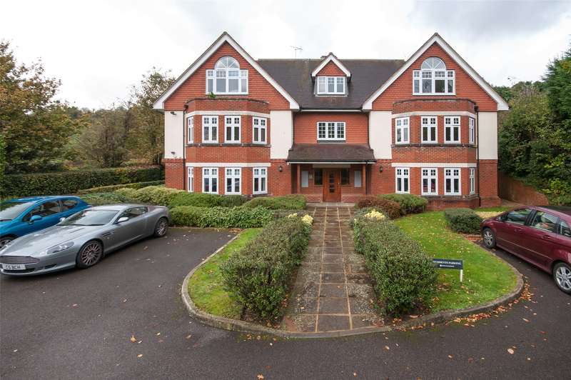 2 Bedrooms Flat for sale in Park Lane East, Reigate, Surrey, RH2
