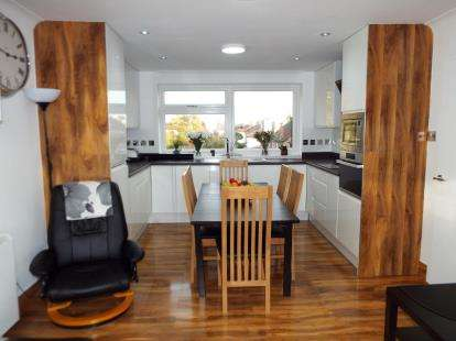 3 Bedrooms Flat for sale in 1 Church Road, Ilford, Essex