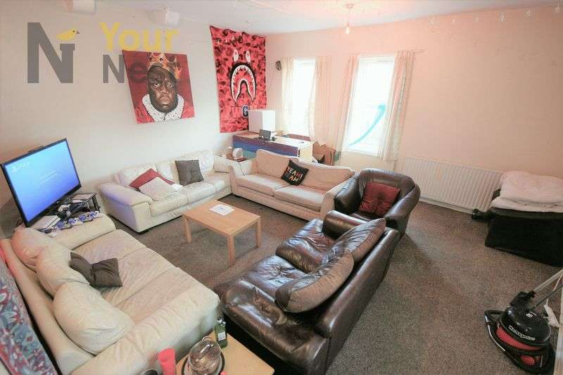 8 Bedrooms Terraced House for rent in Archery Road, Headingley, LS2 9AU