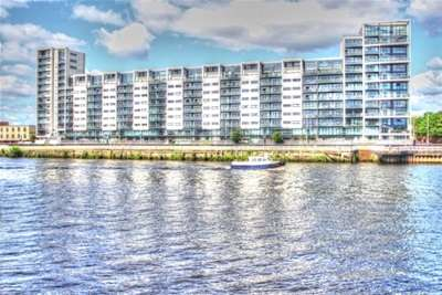 2 Bedrooms Flat for rent in Lancefield Quay, FINNIESTON