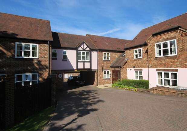 1 Bedroom Flat for sale in Sun Lane, Harpenden, Harpenden