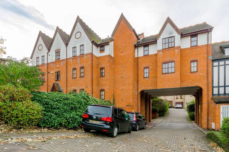 2 Bedrooms Flat for sale in Maybury Mews, Highgate, N6