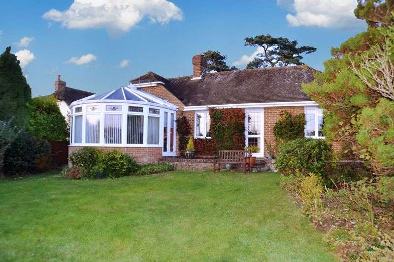 3 Bedrooms Detached Bungalow for sale in High Salvington