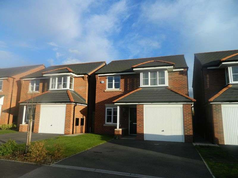 3 Bedrooms Detached House for sale in Heron Way, Sandbach
