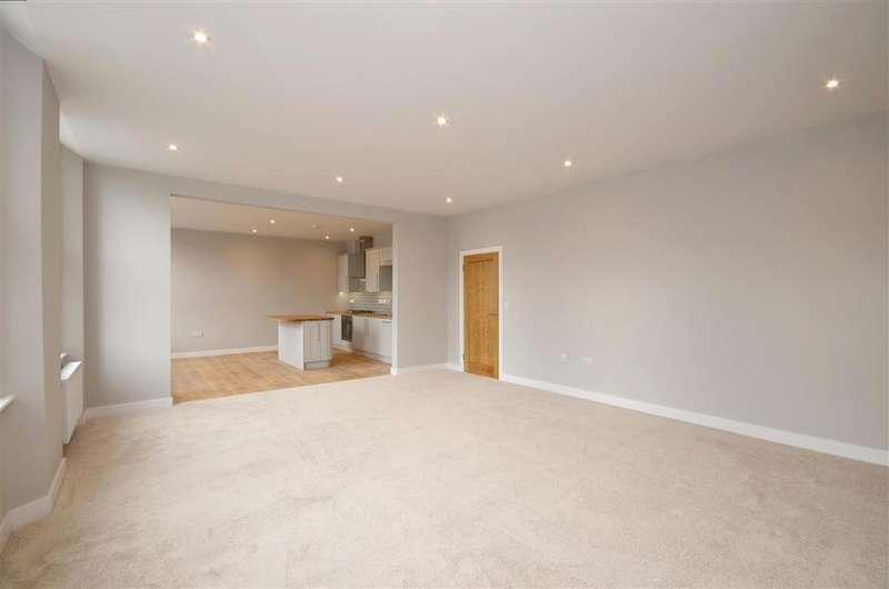 2 Bedrooms Flat for sale in High Street, Tenterden, Kent