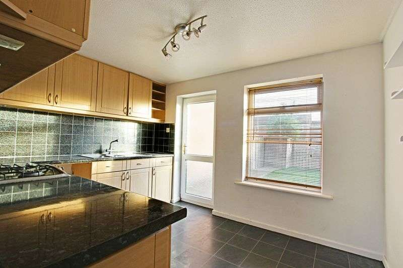 2 Bedrooms Terraced House for sale in Nunburnholme Park, Hull