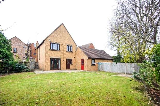 4 Bedrooms Detached House for sale in Bruno Place, KINGSBURY, NW9 8PW