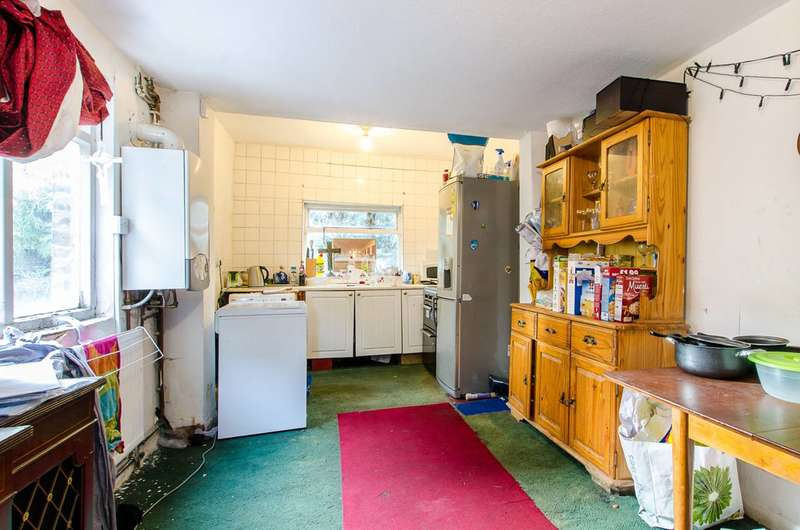3 Bedrooms House for sale in Strathleven Road, Brixton, SW2