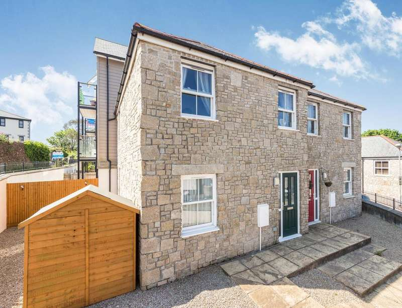 2 Bedrooms Semi Detached House for sale in Whym Kibbal Court, Redruth, TR15