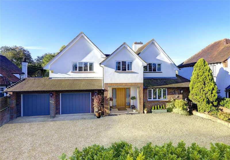 5 Bedrooms Detached House for sale in Gaviots Way, Gerrards Cross, Buckinghamshire, SL9