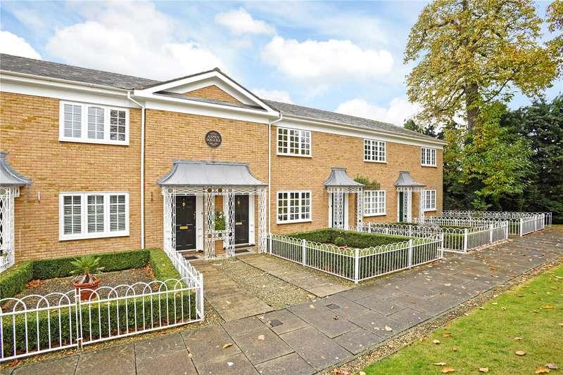 2 Bedrooms Terraced House for sale in Aspen Square, Weybridge, Surrey, KT13