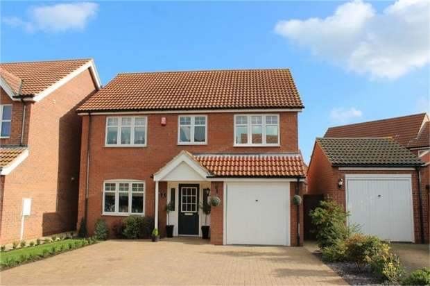4 Bedrooms Detached House for sale in Berkeley Court, Scartho Top, Grimsby, Lincolnshire