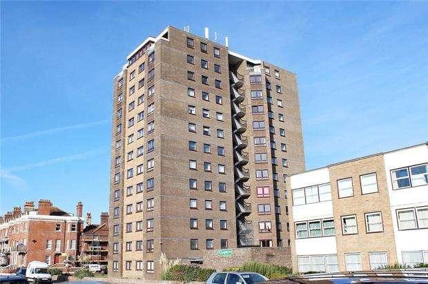 2 Bedrooms Apartment Flat for sale in Kingmere, South Terrace, Littlehampton, BN17