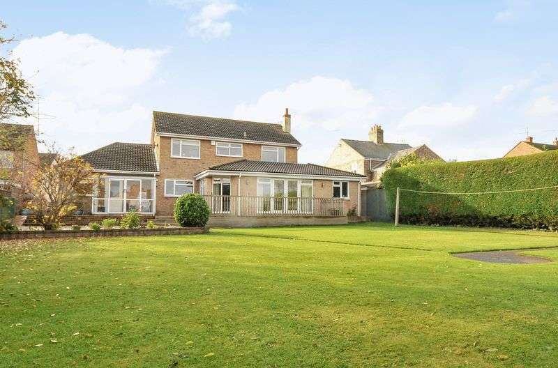 4 Bedrooms Detached House for sale in Princes Street, Ramsey