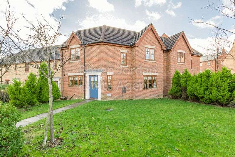 3 Bedrooms Property for sale in Babylon Grove, Milton Keynes