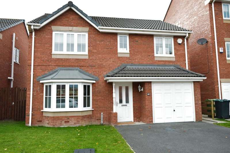 4 Bedrooms Detached House for sale in Spring Place Court, Mirfield, WF14 0QZ