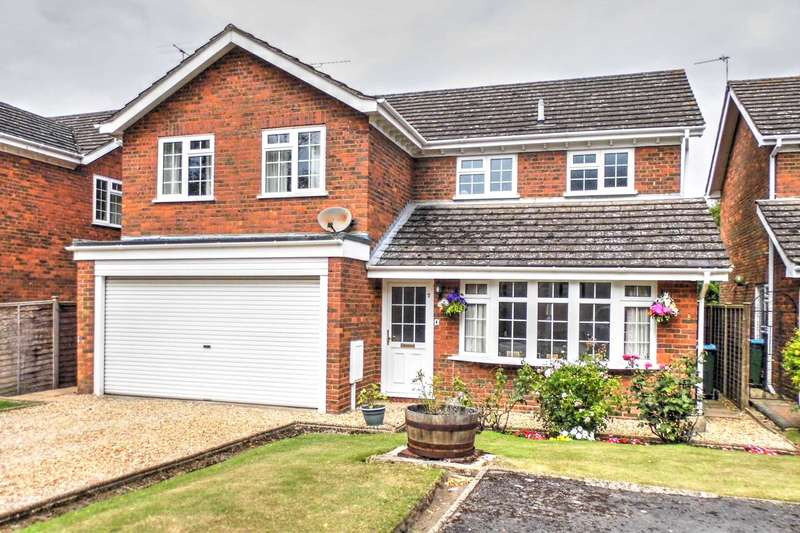 4 Bedrooms Detached House for sale in Chapel Drive, Aston Clinton