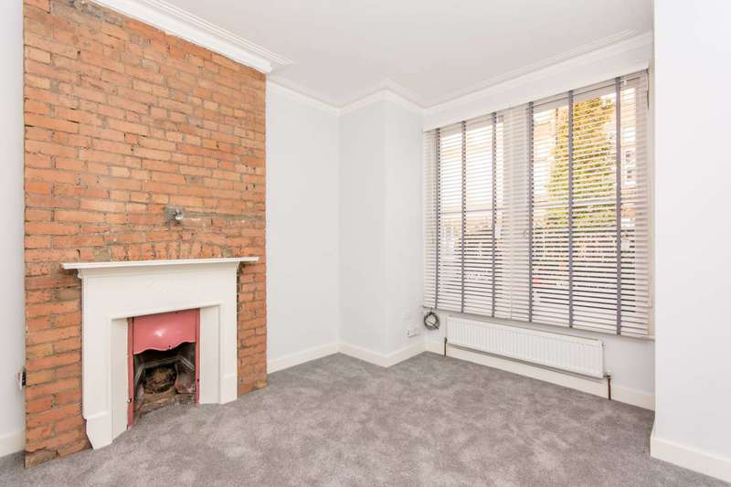 2 Bedrooms Flat for sale in Glengall Road, Queen's Park, NW6