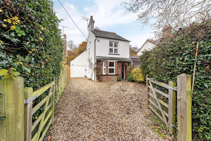 3 Bedrooms Detached House for sale in Kings Lane, South Heath, Great Missenden, Buckinghamshire, HP16