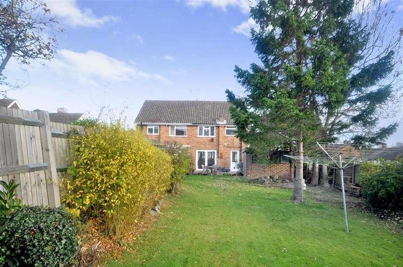 3 Bedrooms Semi Detached House for sale in Maude Road, Hextable, Kent
