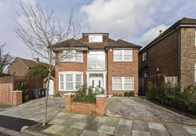 5 Bedrooms Detached House for sale in Hillcrest Gardens, Finchley, London, N3