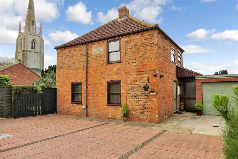4 Bedrooms Detached House for sale in Honeysuckle House, 3 Chapel Lane, Helpringham