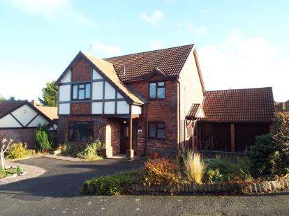4 Bedrooms Detached House for sale in St. Andrews Road, Colwyn Heights, Colwyn Bay, Conwy, LL29