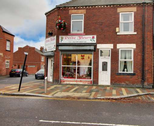 2 Bedrooms Terraced House for sale in Doncaster Road, Rotherham, South Yorkshire, S63 9HH