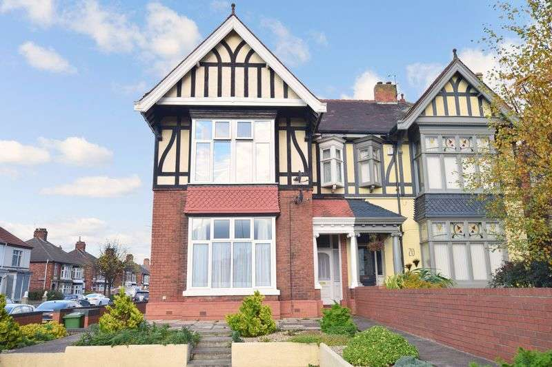 7 Bedrooms Flat for sale in Isaacs Hill, Cleethorpes, Lincolnshire DN35