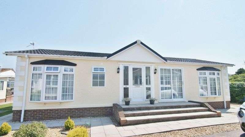 2 Bedrooms Property for sale in Meadow Park, Plox Brow, Tarleton PR4 6HG