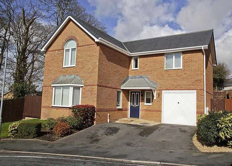 4 Bedrooms Detached House for sale in Llys Tregarnedd, Llangefni