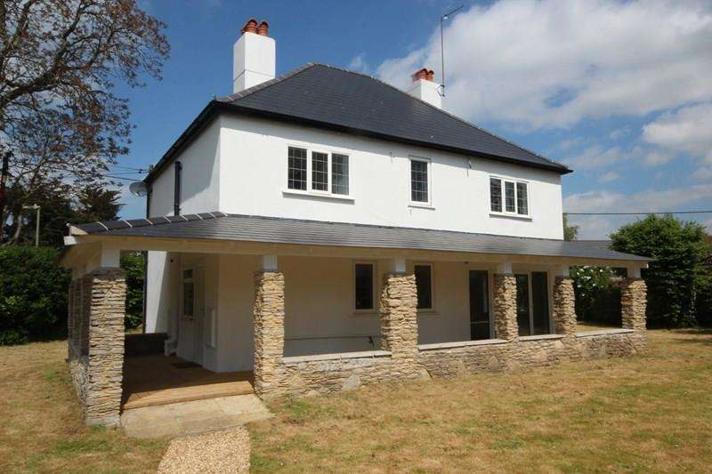 4 Bedrooms Detached House for sale in Northfield Road, Ringwood