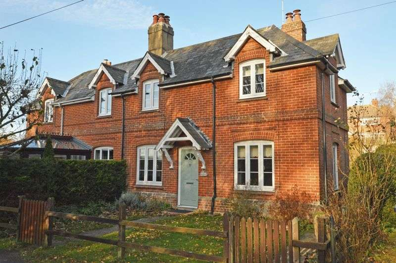 2 Bedrooms Semi Detached House for sale in Ropley, Alresford. Hampshire