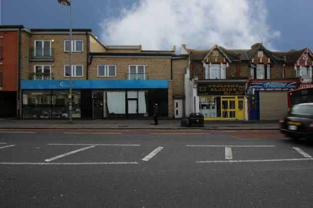 1 Bedroom Flat for sale in Lea Bridge Rd, London, Greater London, E10 6AW