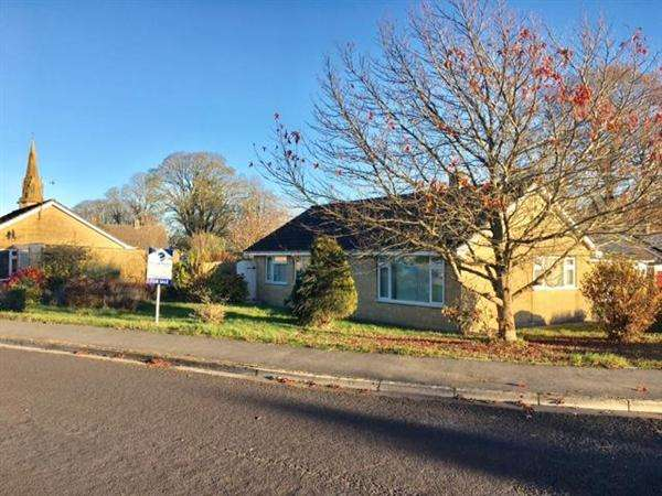 3 Bedrooms Detached Bungalow for sale in Zeals Rise, Zeals, Warminster