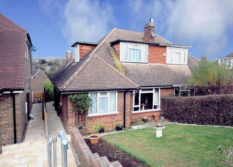 3 Bedrooms Semi Detached Bungalow for sale in Downs View Road, Maidstone