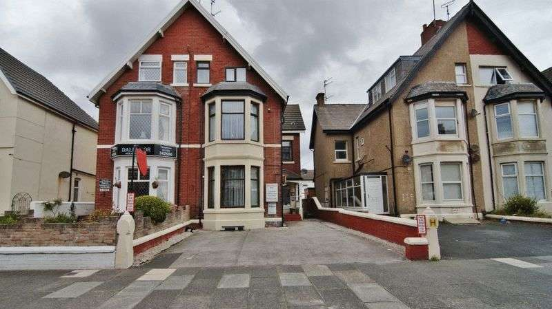 6 Bedrooms Commercial Property for sale in Station Road, Blackpool FY4 1EU