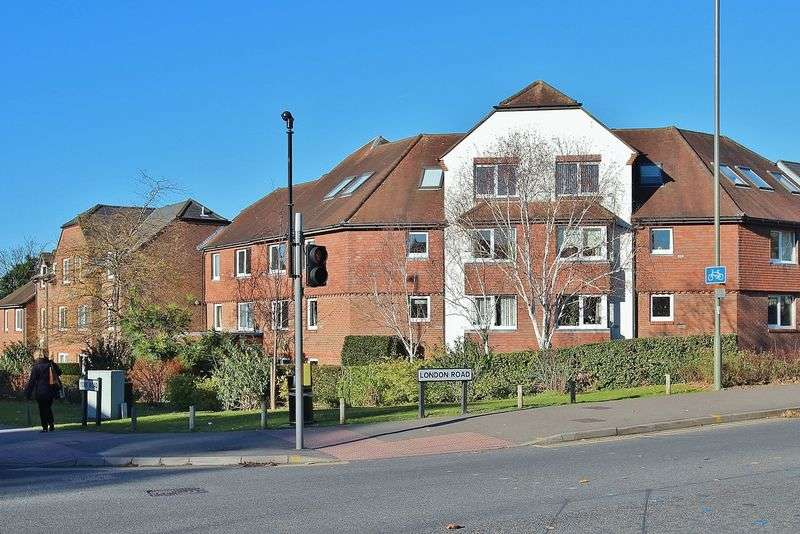 1 Bedroom Retirement Property for sale in Town Centre