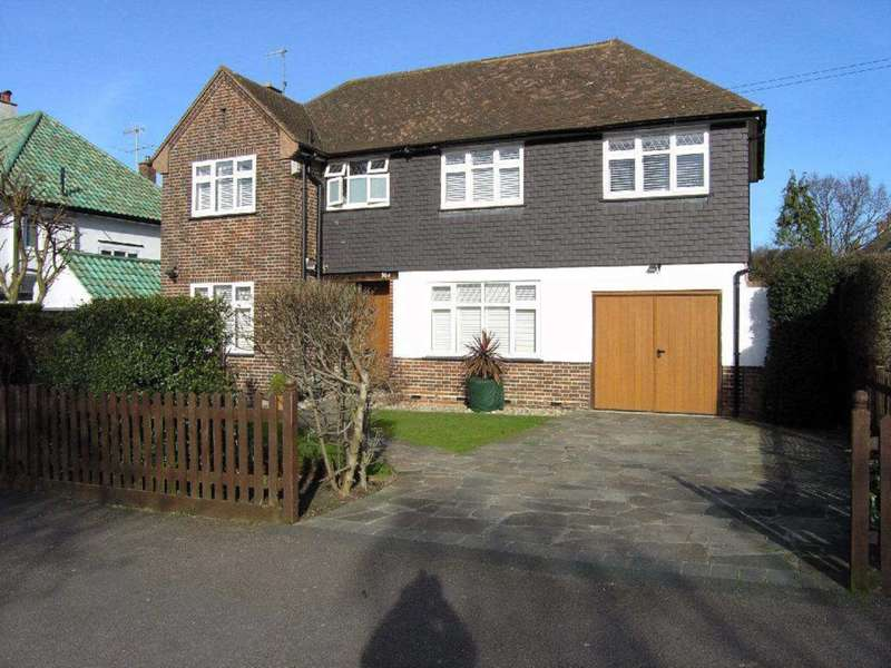 4 Bedrooms Detached House for sale in Reddings Avenue, Bushey