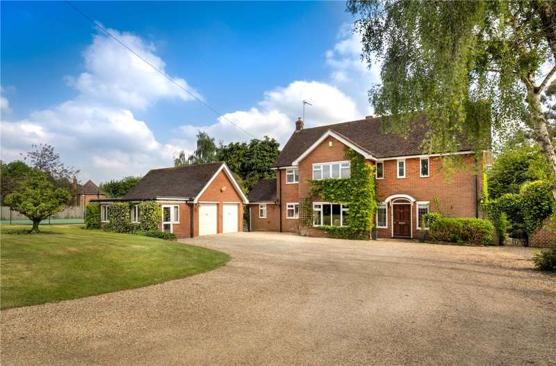 4 Bedrooms Detached House for sale in Albury