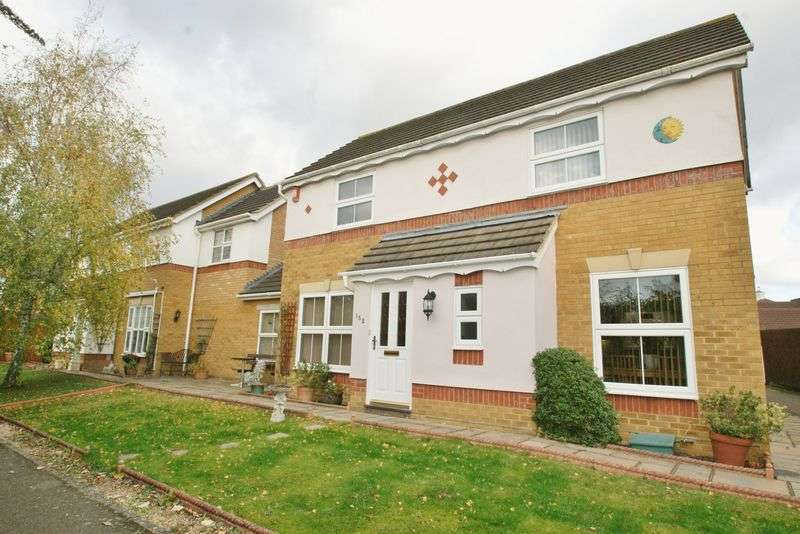 3 Bedrooms Detached House for sale in Drake Road, Chafford Hundred, Grays