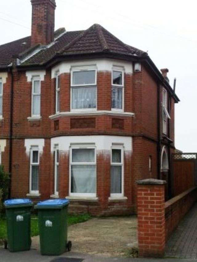 6 Bedrooms Semi Detached House for rent in Alma Road, Portswood, Southampton