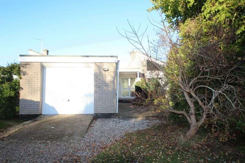 4 Bedrooms Detached Bungalow for sale in Springfields, Norwich