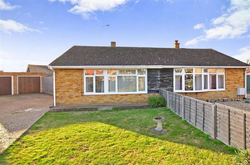 2 Bedrooms Semi Detached Bungalow for sale in Green Lane, Isle Of Grain, Rochester, Kent