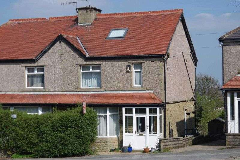 4 Bedrooms Semi Detached House for sale in Bingley Road, BD9 6HH