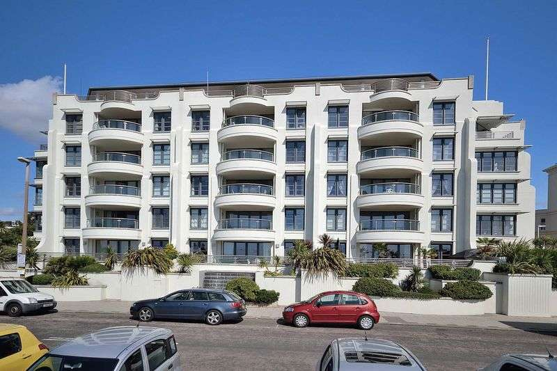 3 Bedrooms Flat for sale in Steyne Gardens, Worthing