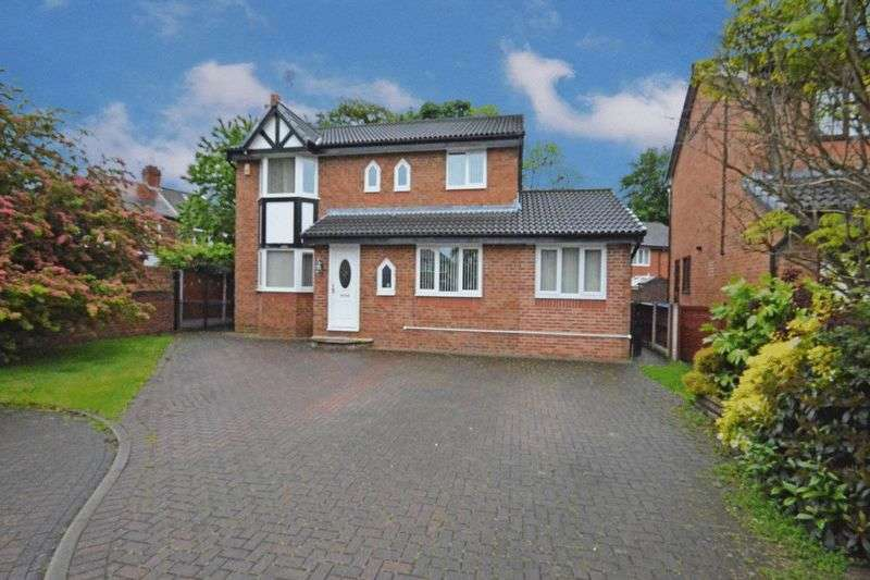 4 Bedrooms Detached House for sale in Acorn Close, Whitefield, Manchester M45