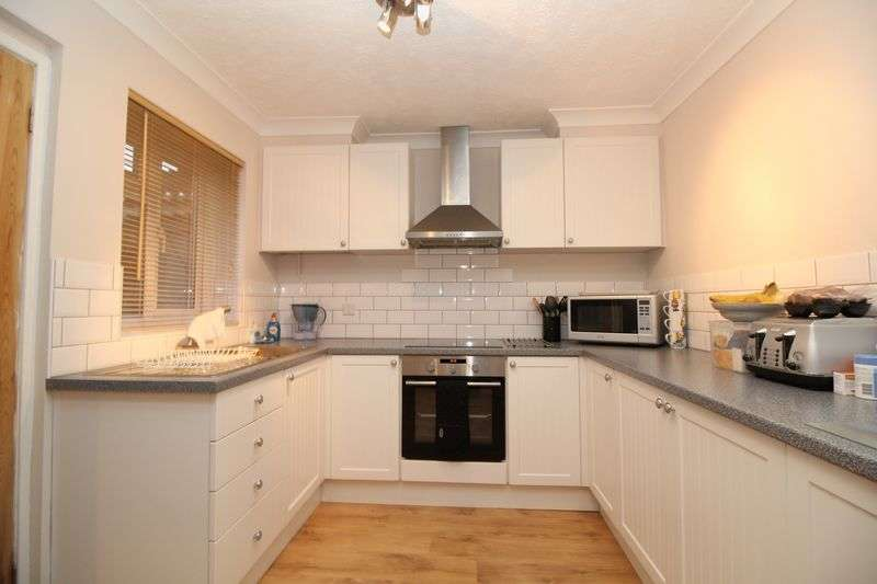 4 Bedrooms Terraced House for sale in Furzefield, Crawley