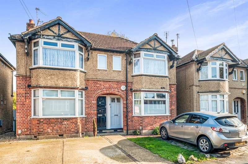 2 Bedrooms Maisonette Flat for sale in West Drive, Watford, WD25