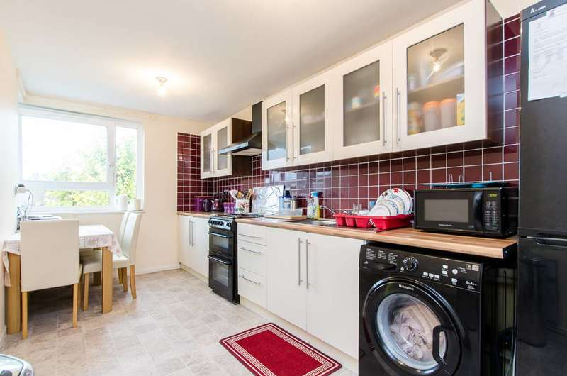 2 Bedrooms Maisonette Flat for sale in Bower Street, Tower Hamlets, E1